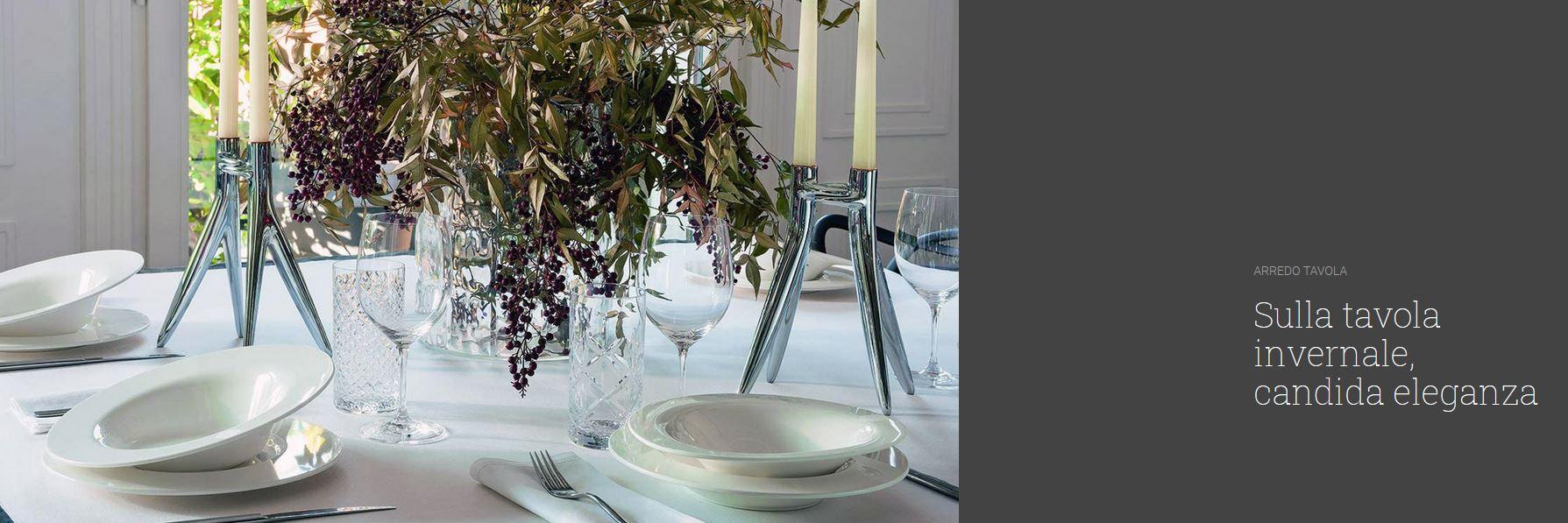 Sulla tavola invernale candida eleganza
